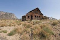 Abondoned ranch building nahe oliver, britisch columbia, kanada — Stockfoto