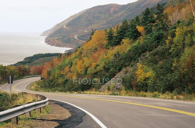 Winding Road of Cape Breton Highlands National Park, Nova Scotia, Canada. — Stock Photo