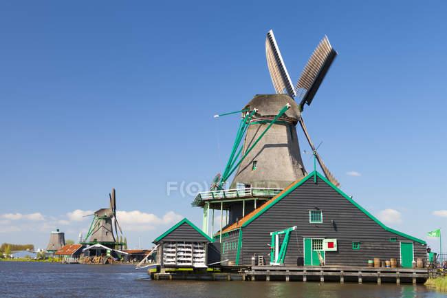 Zaanse Schans open-air museum north of Amsterdam of restored windmills, Netherlands. — Stock Photo