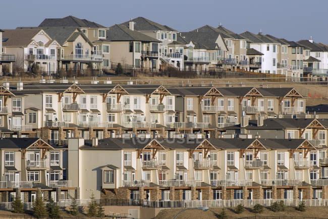 Houses in suburb of Calgary, Alberta, Canada — Stock Photo