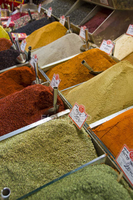 Spices in containers at local market, Istanbul, Turkey — Stock Photo