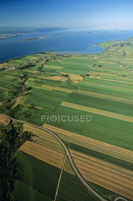 Vista aérea da costa sul com o rio São Lourenço em Quebec, Canadá . — Fotografia de Stock