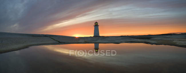 Lighthouse of Peggy Cove at dusk in Nova Scotia, Canada. — Stock Photo