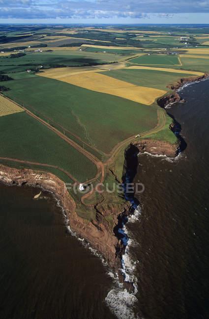 Vista aérea de las tierras de cultivo de Prince Edward Island, Canadá . - foto de stock