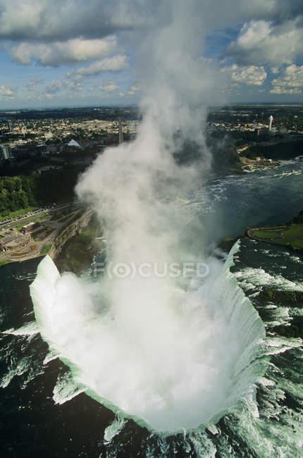 Vista aérea do redemoinho de água das Cataratas do Niágara, Ontário, Canadá . — Fotografia de Stock