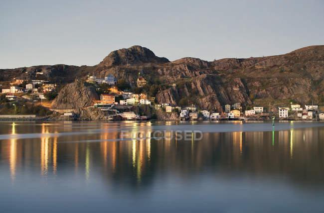 Scena costiera del distretto di Battery a Saint Johns, Terranova e Labrador, Canada . — Foto stock