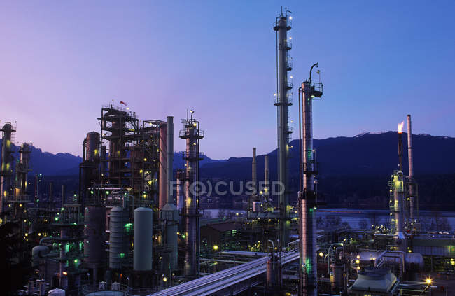 Building of oil refinery in Burnaby, Vancouver, British Columbia, Canada. — Stock Photo