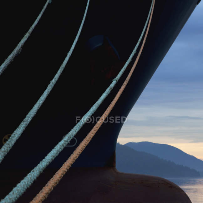 Ship ropes and mooring lines of cargo ship, Howe Sound, Sunshine Coast, Canada — Stock Photo