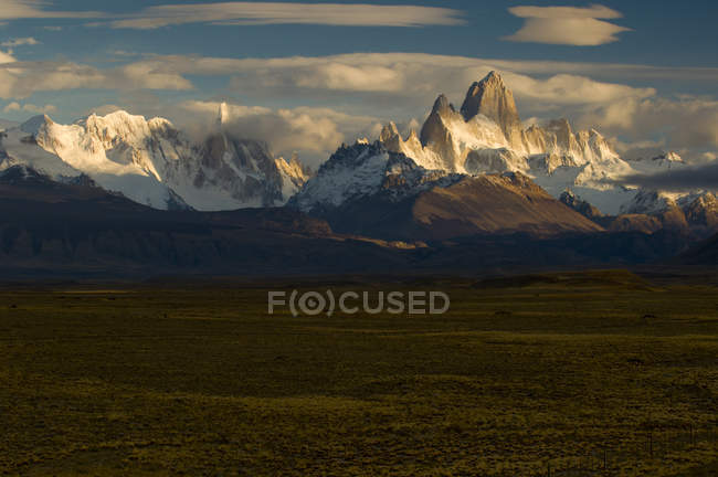 Cerro Torre and El Chalten in Parque Nacional Los Glacieres, Argentina — Stock Photo