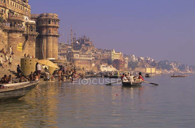 Ghats-Strukturen am Ganges River, Varanasi, Indien — Stockfoto