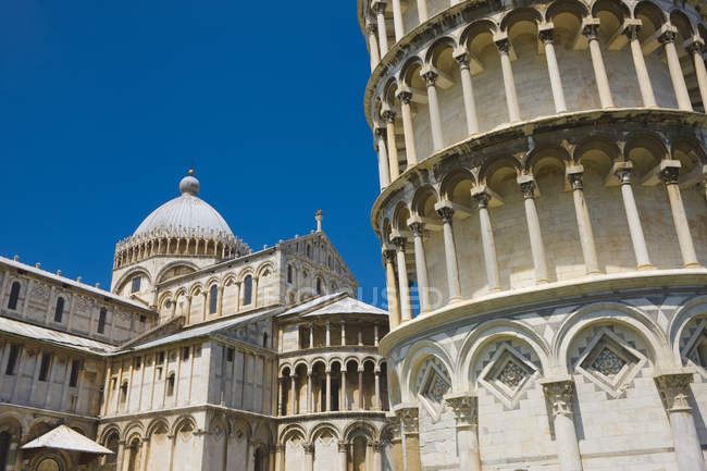 Close-up of Leaning Tower and Cathedral, Pisa, Tuscany, Italy — Stock Photo