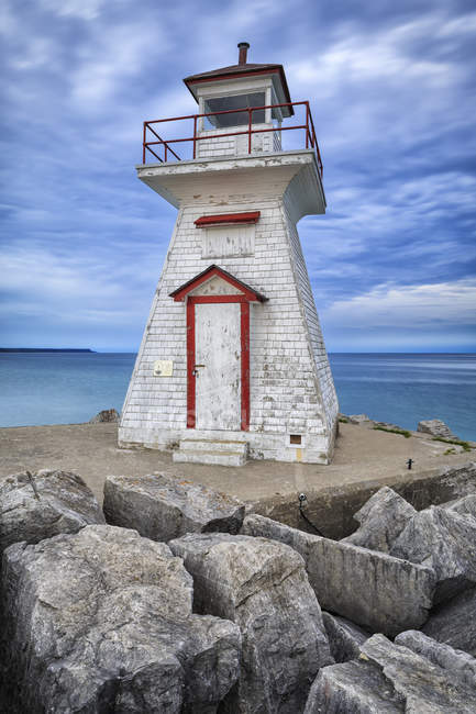 Lions Head Lighthouse on Georgian Bay, Bruce Peninsula, Ontario, Canada. — Stock Photo