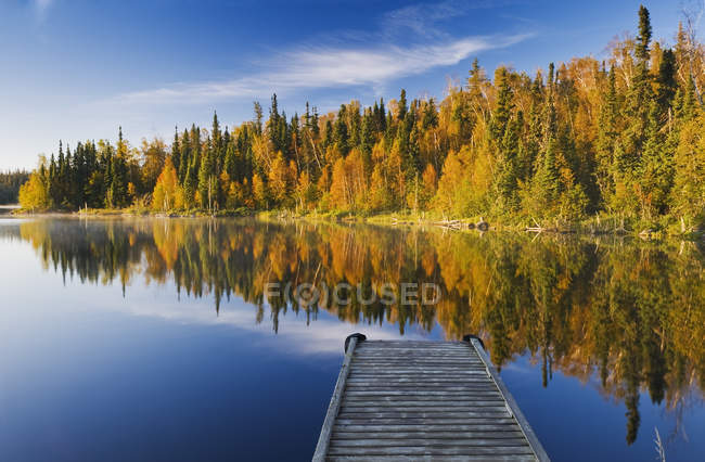 Autumnal mood of forest by Dickens Lake, Northern Saskatchewan, Canada — Stock Photo