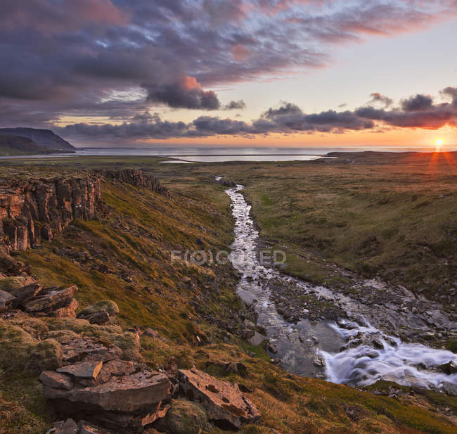 Flowing river water in valley of Snaefellsnes Peninsula, Iceland — Stock Photo