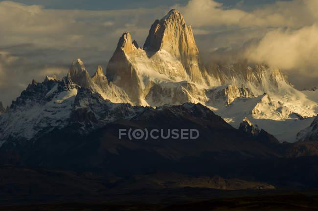 Cerro Fitzroy no amanhecer do Parque Nacional Los Glaciares, Patagónia, Argentina — Fotografia de Stock