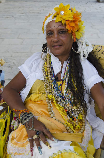 Female Tarot card reader on street in Havana, Cuba — Stock Photo