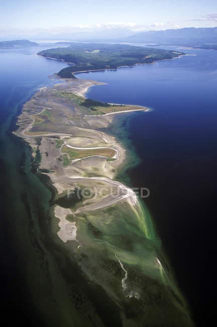 Аэрофотоснимок пышные дороги на острове Денман, Британская Колумбия, Канада. — стоковое фото