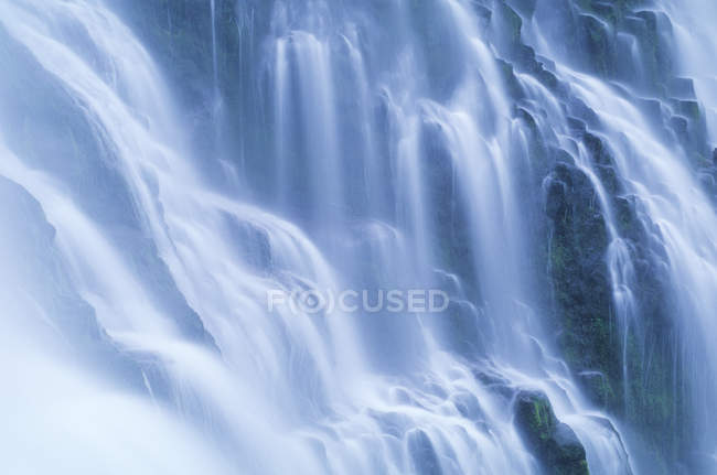 Detail view of flowing water of waterfall Proxy Falls in Oregon, USA — Stock Photo