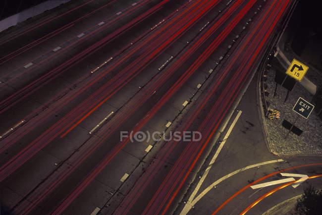 Нечіткий транспортному засобі вогні на автостраді, Лос-Анджелес, Каліфорнія, США — стокове фото