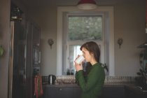 Women having coffee at home — Stock Photo