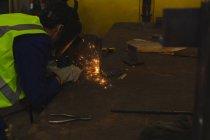 Сварщик, ремонт судна участие в семинаре — стоковое фото