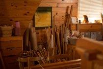 Attrezzature per tessitrici disposte in negozio — Foto stock