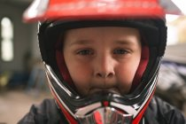 Close-up di kid prepararsi per bici corsa — Foto stock