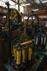Nahaufnahme der Faden rollt Maschine in Seil Uhrenindustrie — Stockfoto