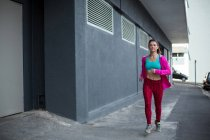 Parkour woman running on the street — Stock Photo