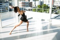 Portrait of dancer practicing contemporary dance in the studio — Stock Photo