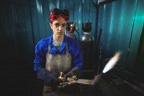 Сварочная горелка для сварки в мастерской — стоковое фото