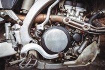 Close-up do motor de moto na oficina — Fotografia de Stock