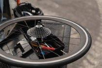 Крупним планом колесо лежачого велосипеда — стокове фото