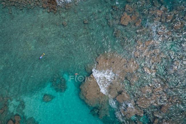 Аэрофотоснимок бирюзовое море — стоковое фото