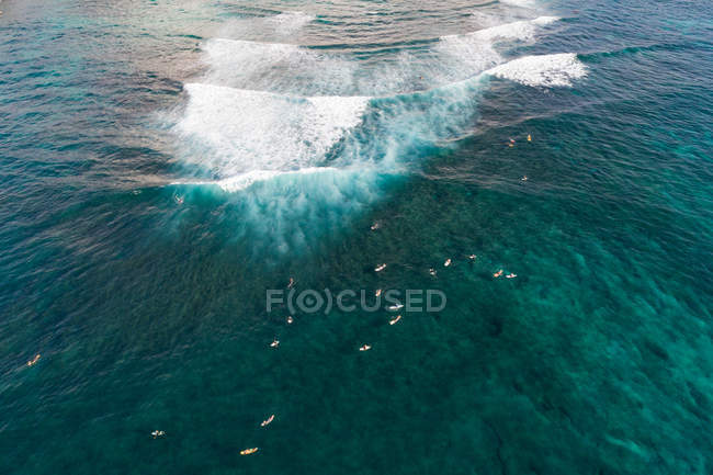 Пташиного польоту гарний вид на море — стокове фото
