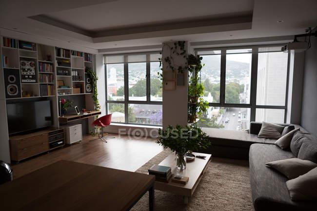 Interior da sala de estar moderna em casa — Fotografia de Stock