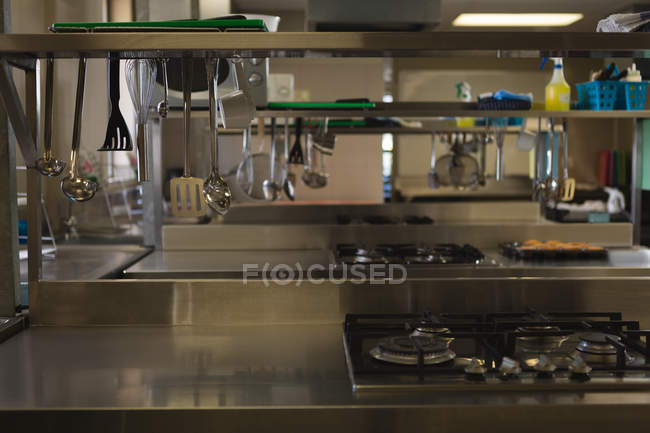 Empty commercial kitchen at restaurant — Stock Photo