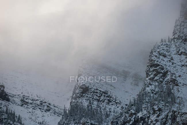 Vista panorâmica da Cordilheira de neve no inverno — Fotografia de Stock