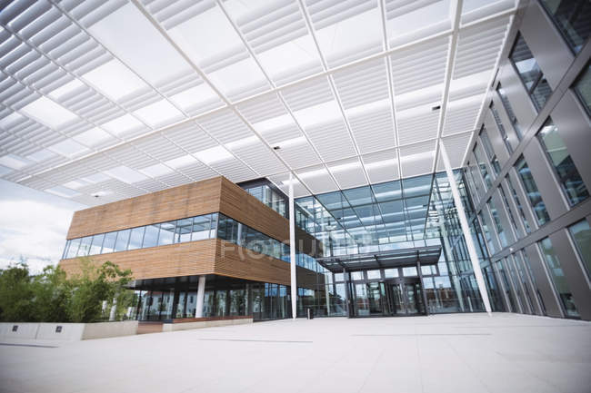 Entrance of a modern office building — Stock Photo