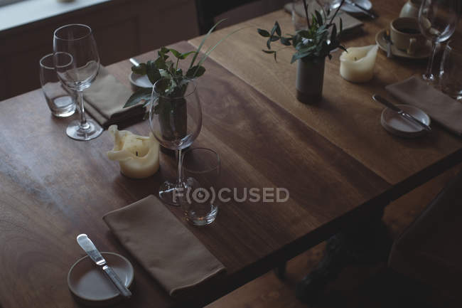 High angle view of table arrangement and decoration at cafe — Stock Photo