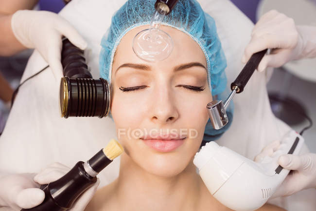 Close-up of woman receiving cosmetic treatment in clinic — Stock Photo