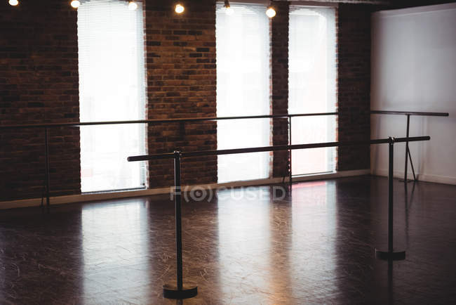 Ballet barre stand in ballet studio — Stock Photo