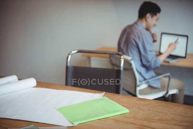 Plan directeur et fichier table de bureau — Photo de stock