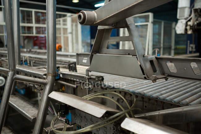 Закрытие производственной линии на заводе холодных напитков — стоковое фото