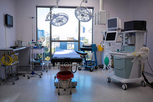 Equipment and medical devices in modern operating room at hospital — Stock Photo