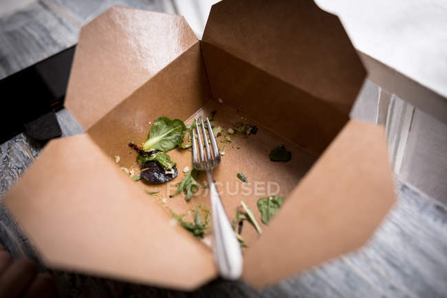 Що залишився салат в їжі поле у кафе — стокове фото