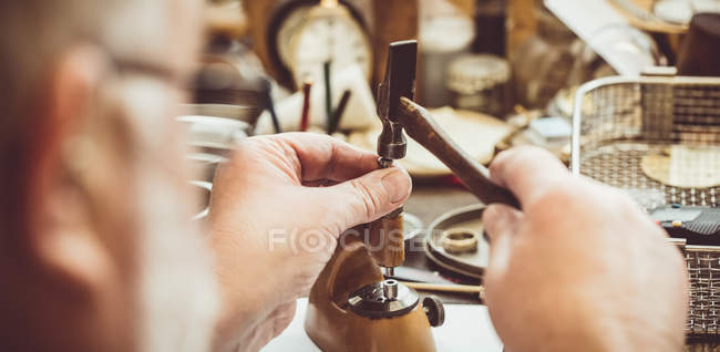 Зёйлихем ремонт карманные часы в мастерской — стоковое фото