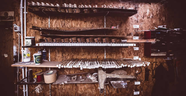Interior view of vintage piano parts in workshop — Stock Photo