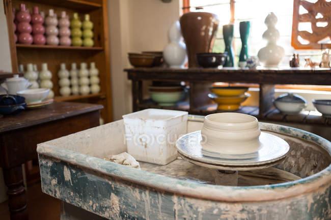 Empty pottery wheel in pottery workshop — Stock Photo