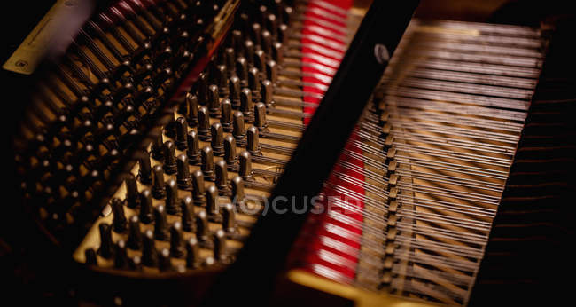 Close-up of open piano strings, full frame — Stock Photo